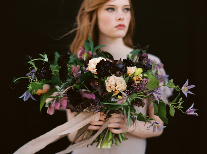 16-bows-arrows-floral-design-purple-bouquet